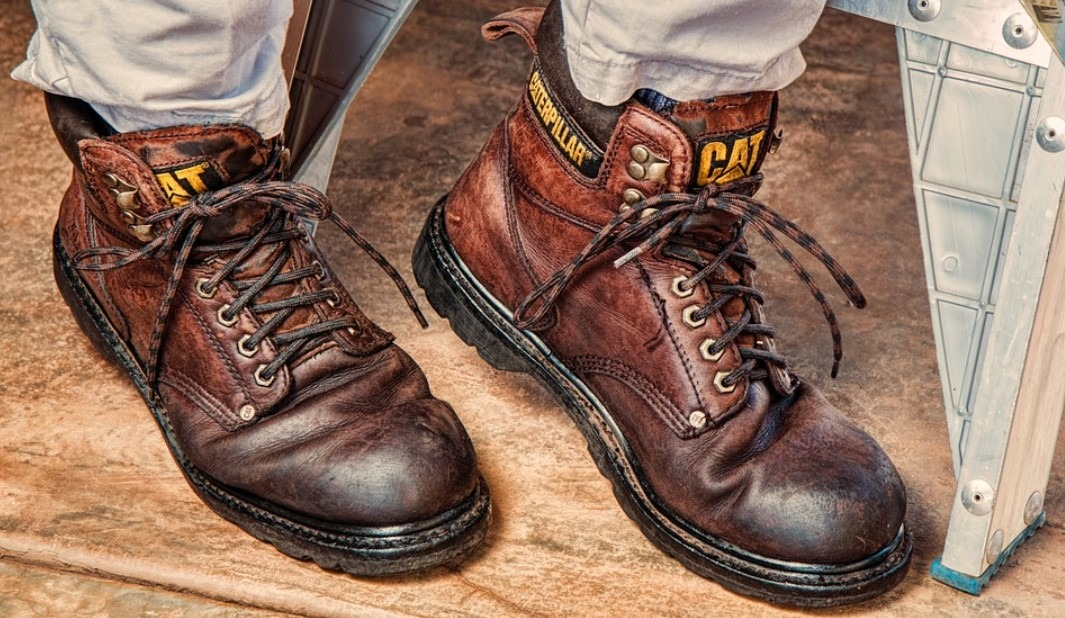 Best Climbing Boots For Linemen