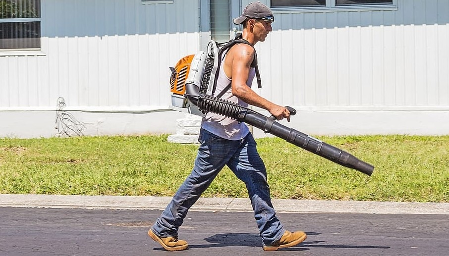 The Best Leaf Blower For Drying Car