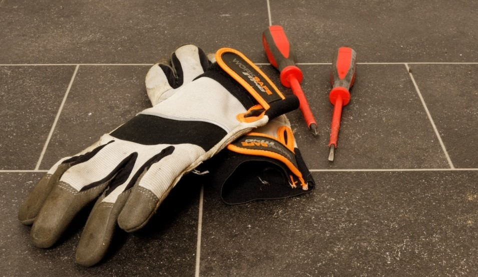 Best Work Gloves for Carpenters and Woodworkers