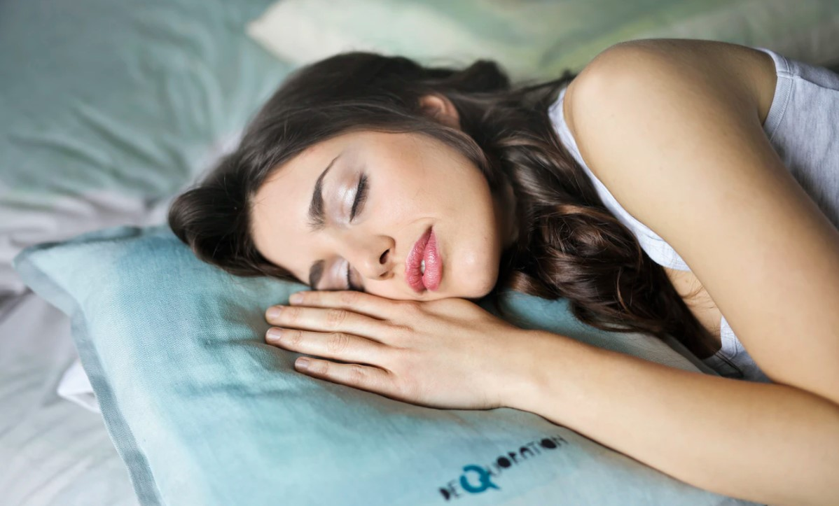 Good Sleeping Positions for Lower Back Pain and Discomfort